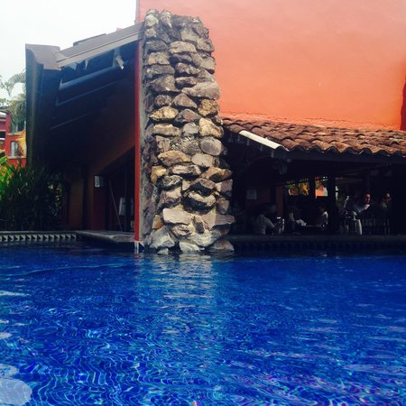 Los Suenos Marriott Ocean & Golf Resort: Pool bar