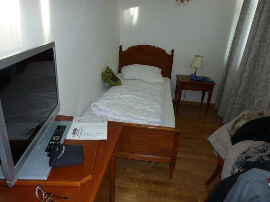 ACHAT Plaza Zum Hirschen: Bedroom 2