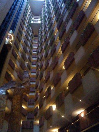 Krystal Grand Reforma Uno Mexico City : vista del hotel desde el loby