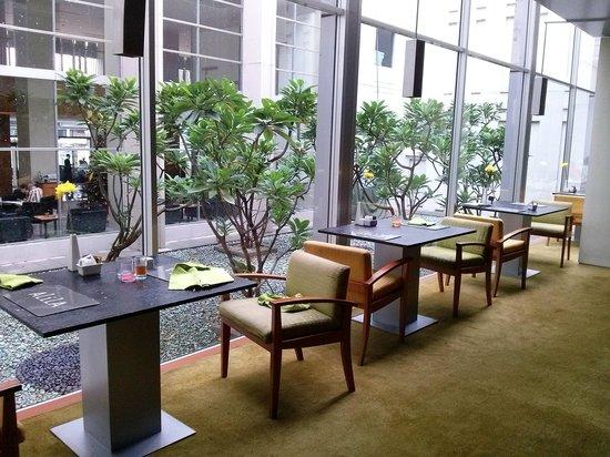 Alila Jakarta: Breakfast Area