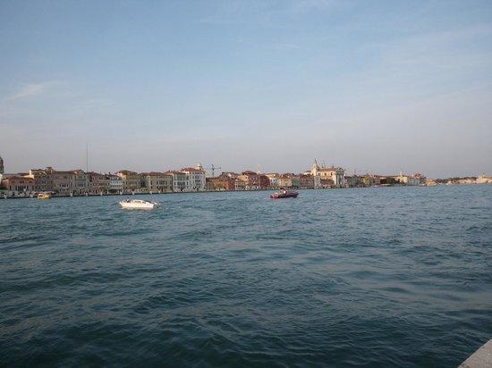 Hilton Molino Stucky Venice Hotel : view of venice from the stucky