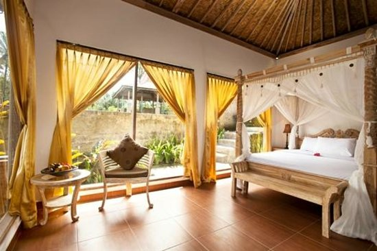 Pondok Sebatu Villa: Room with Joglo style