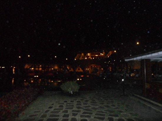 Vivanta by Taj - Fort Aguada, Goa: Hotel in night