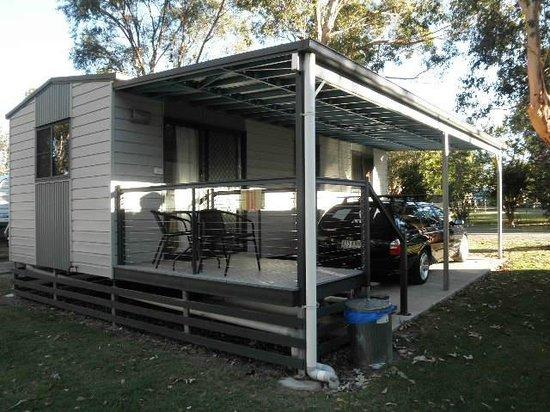 Kahler's Oasis Caravan Park: Under cover parking
