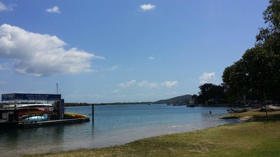 Noosa Tropicana: A 5 minute walk to noosavile