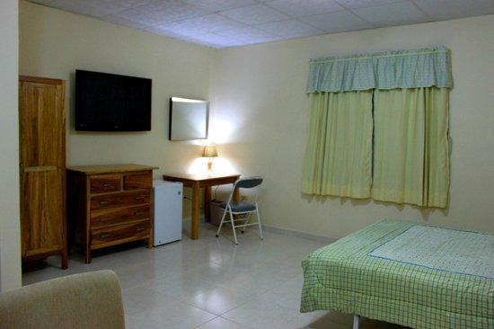 Hostal Victoria Volcan Chiriqui : Huge Suites