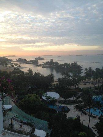 Shangri-La's Rasa Sentosa Resort & Spa: view from 11 floor early morning