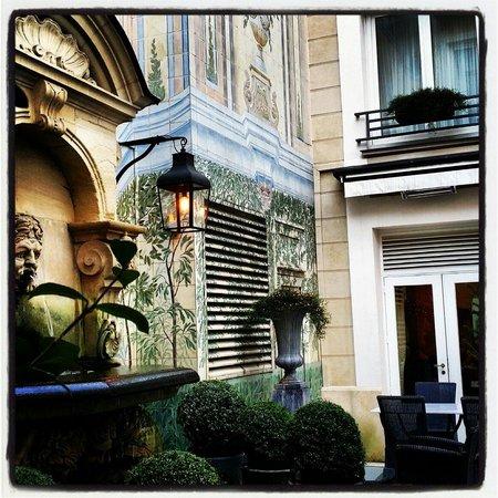 Castille Paris : Cour intérieure