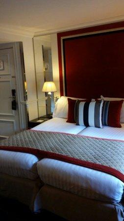 Castille Paris : (petite) chambre standard