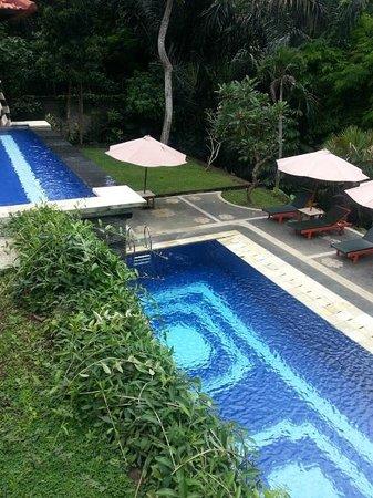 Alas Petulu Cottages : la piscine