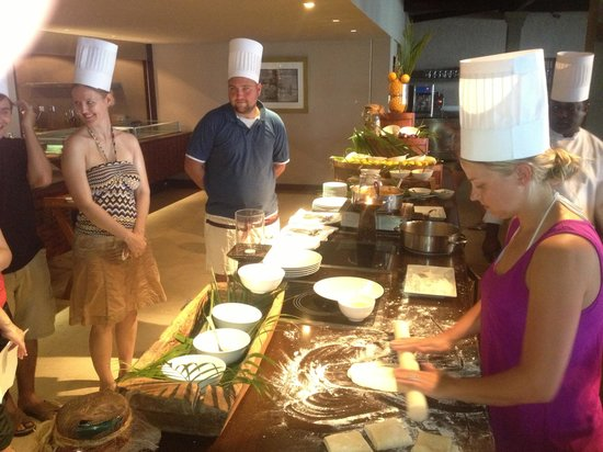 LUX* Le Morne: Cooking class