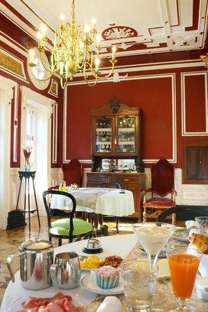 Palacete Chafariz D'El Rei : Breakfast room.