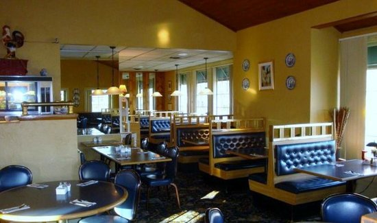 Corner View Restaurant: Larger Dining Area