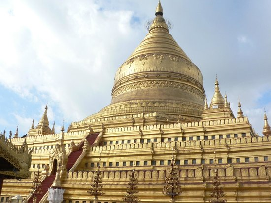 Shwezigon-Pagode: Graceful bell shape