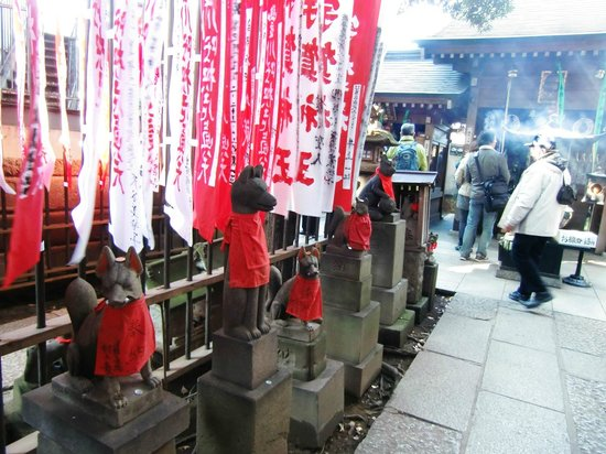 Toyokawa Inari Shrine and Temple: いろいろなおキツネ様