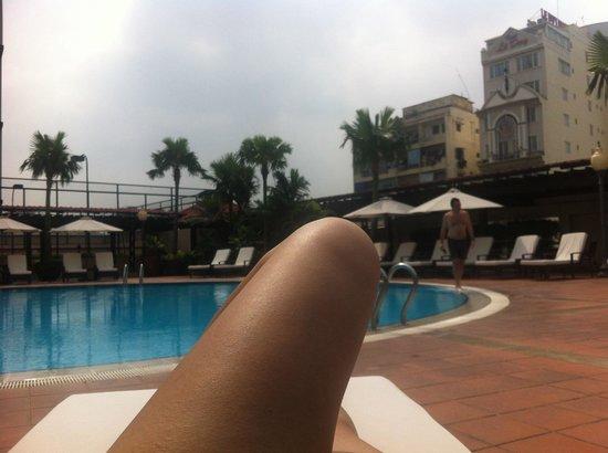 New World Saigon Hotel : Swimming pool