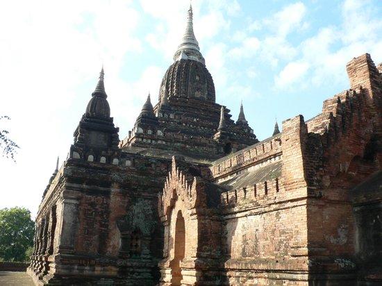 Naga Yon Hpaya : Buit in 12th century by king Kyanzittha