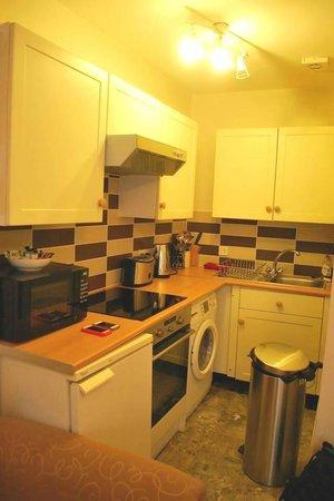 Castletown House: Castletown Studio - Kitchen