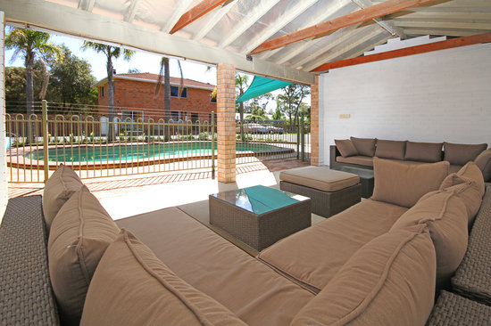 The Lodge Broulee: Pool Cabana