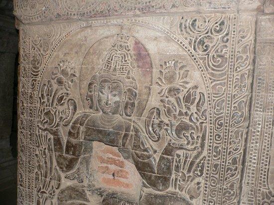 Nanpaya: Detail from inside