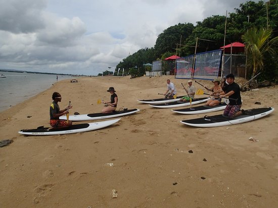Bali Stand Up Paddle School: instructor teach the class