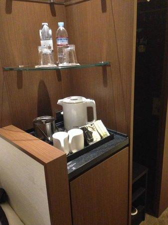 Solaria nishitetsu hotel Ginza: Coffee/tea service, free bottled water
