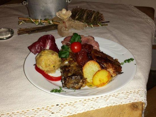 Speckstuben Ruacia : piatto di carni miste