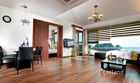T.Island: Room
