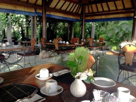 Mimpi Resort Tulamben: Dining room