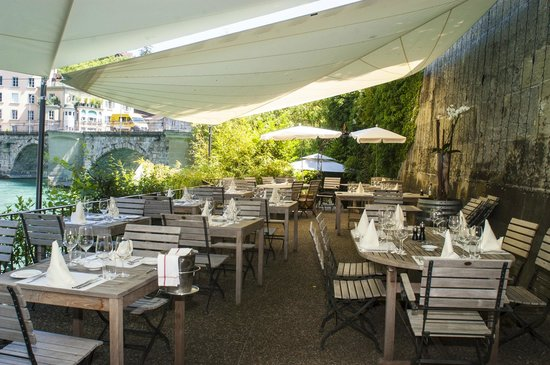 Casa Novo Restaurante & Vinoteca: Aareterrasse