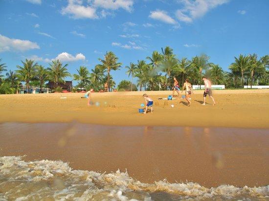 Ramada Khao Lak Resort : Beach in front of hotel