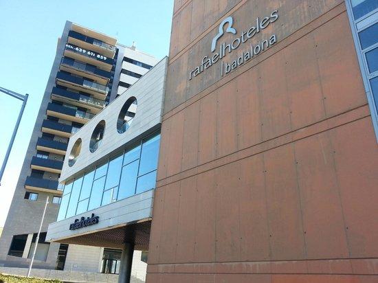 Rafaelhoteles Badalona: The entrance