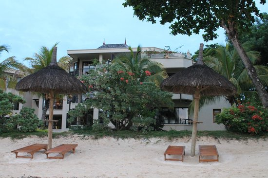 Le Cardinal Exclusive Resort: Hotel from the sea