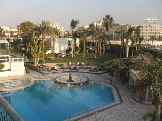 Mercure Cairo Le Sphinx: Gardens are spotless