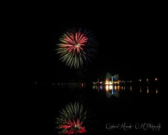 Abel Tasman Motel: New Years Fireworks Display & Carnival 2013