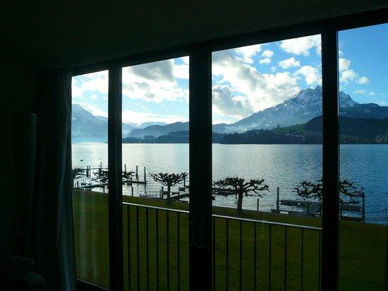 Seehotel Hermitage Luzern: Zimmerfensterfront