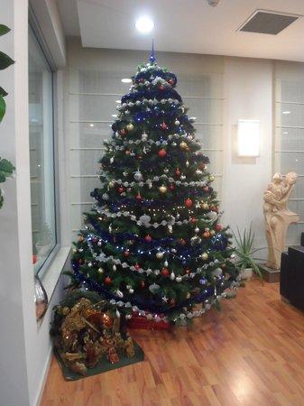 Ramada Encore Bologna : Le sapin de Noel