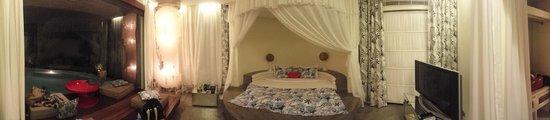 Kiss Bali: Villa Surga Room 2