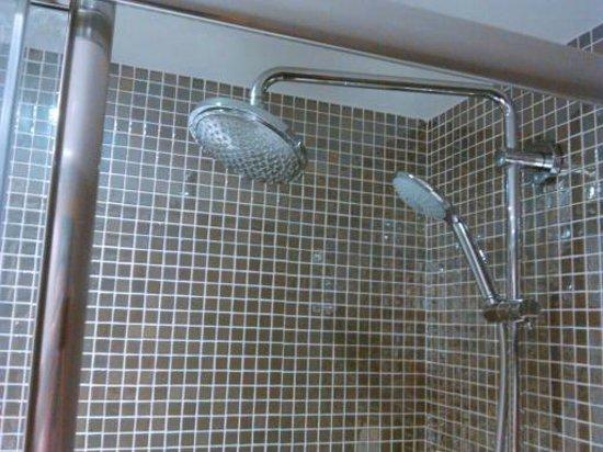Sol Pelícanos Ocas: new shower room