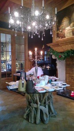 Charming Brugge : Sfeervolle ambiance in de ontbijtkamer