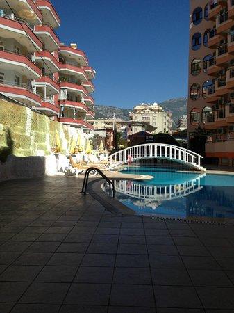 Klas Hotel Dom : Вид из столовой главного корпуса