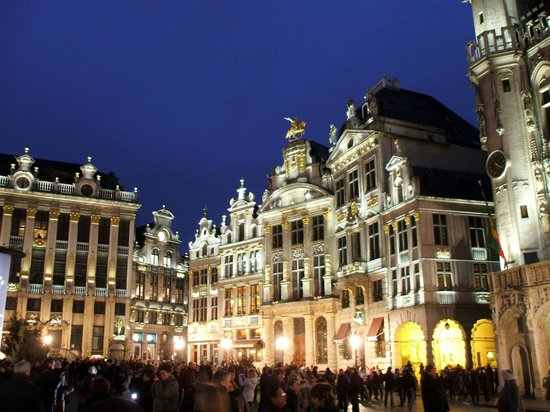 la grand place de bruxelles picture of la villa brussels tripadvisor. Black Bedroom Furniture Sets. Home Design Ideas
