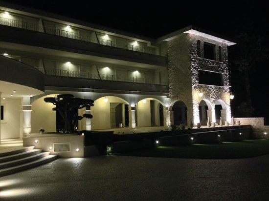 Residence Celigo: Esterno Notturno