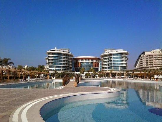 Baia Lara Hotel: Espace piscine