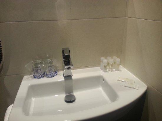 Hotel Barcelona House: bagno