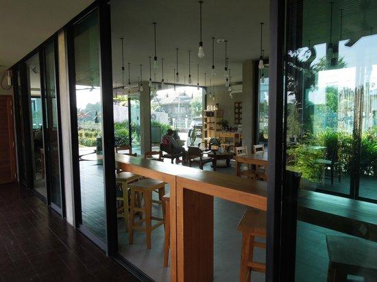 Zensala Riverpark Resort: Lounge