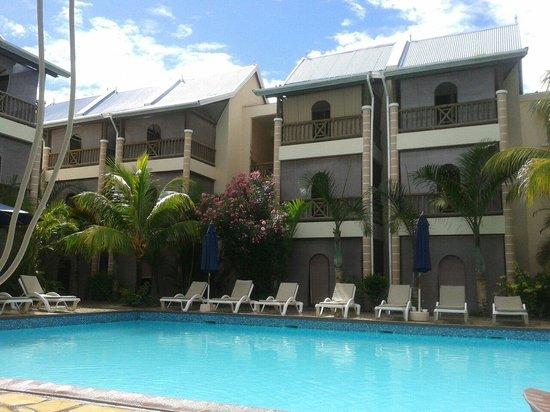 Le Palmiste Resort & Spa: Piscina