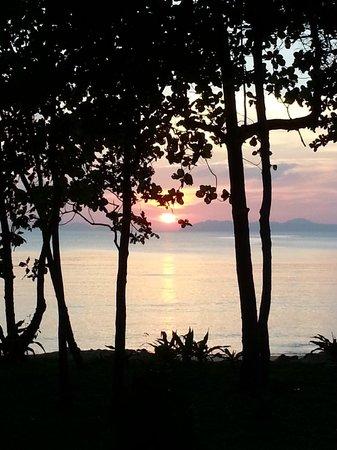 Koh Jum Beach Villas: A sunset to melt your heart