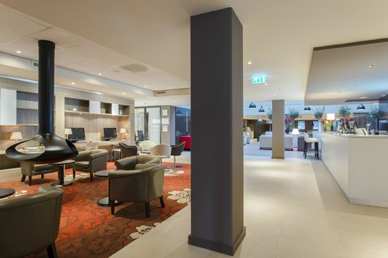 Holiday Inn Express The Hague - Parliament: Relax in the lobby lounge after a day of sightseeing