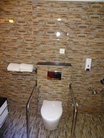 Hotel Sea Pearl: Bathroom 3